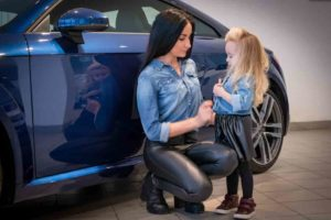Programs to help single mothers buy a car